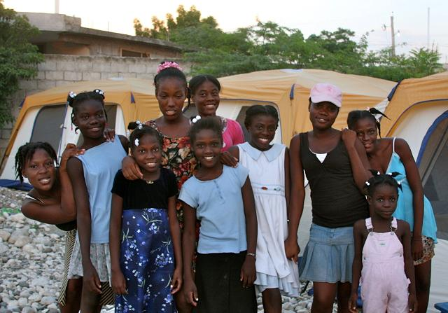 V young haiti girls — photo 7
