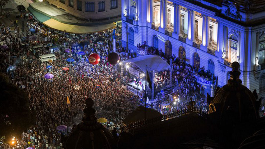 Protesters gather in front of the Municipal Chamber of Rio de Janeiro on March 20 to demonstrate against the killing of Marielle Franco six days earlier.
