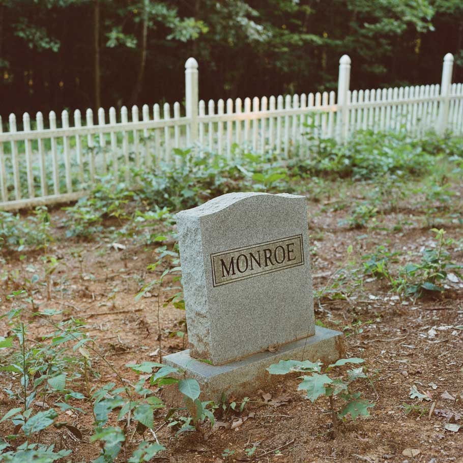 The Monroe Family Cemetery near Highland.