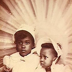 Evern D. Cooper Epps (L) with her sister, Joanne Gibson (R), on Easter Sunday