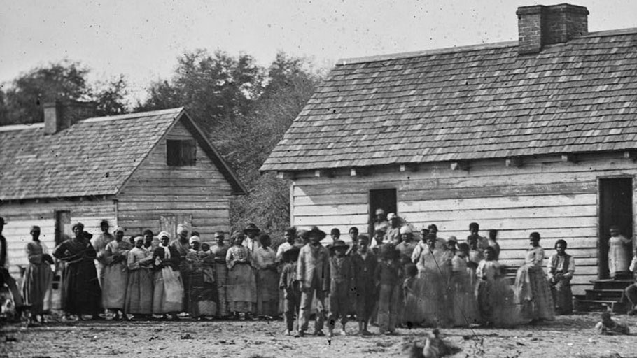 Black community on a plantation in Beaufort, South Carolina, 1862