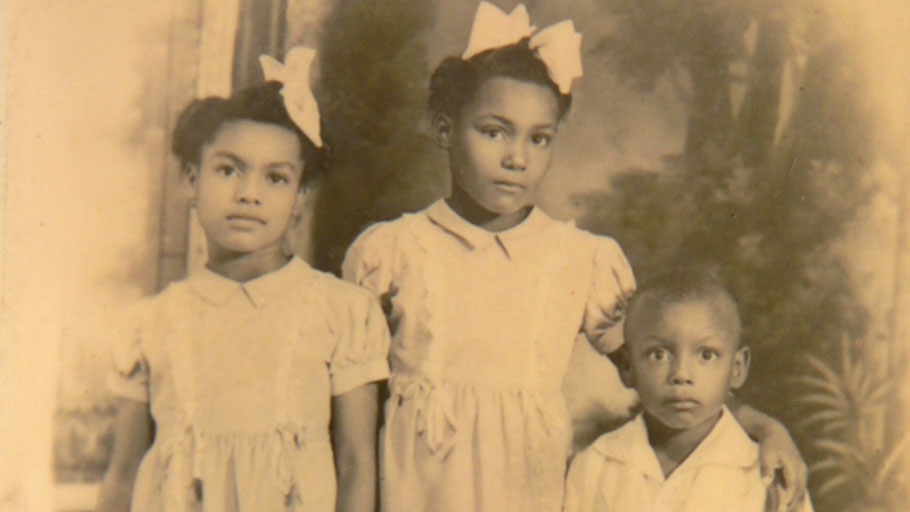atricia Stephens Due (L) with her siblings Easter Sunday, c.1940s