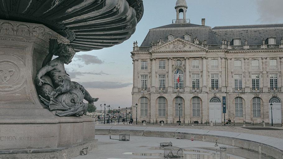 The Place de la Bourse is a symbol of the prosperity of the city of Bordeaux.