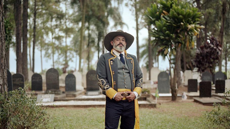 João Leopoldo Padoveze, president of the Fraternity of American Descendants of Santa Bárbara d'Oeste, poses at the Cemitério do Campo in April 2019.