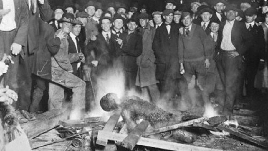 Black man burnt by white mob