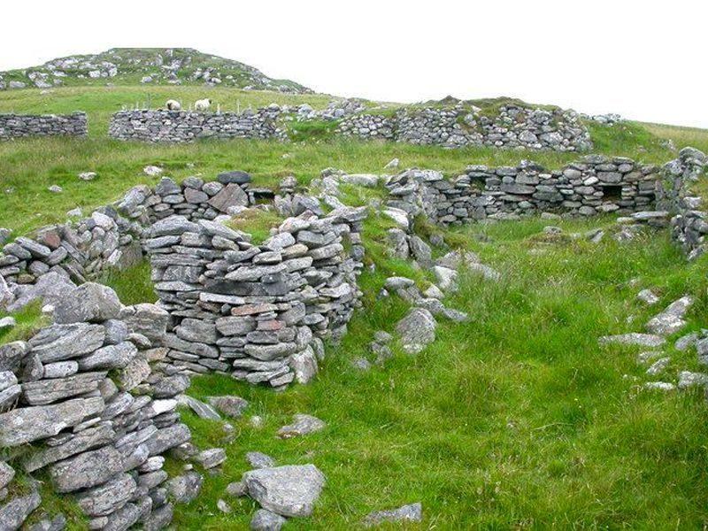 Ruins-Fuaigh-Mòr-Highland-910x512