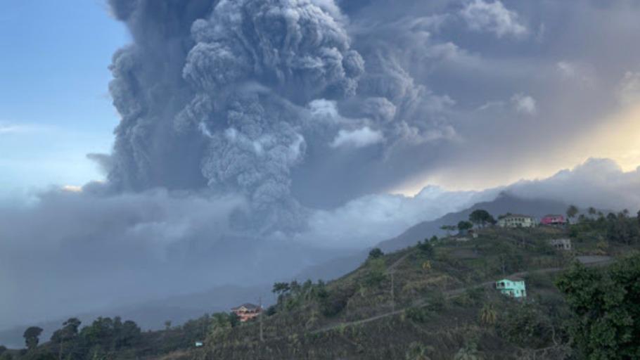 st-vincent-volvano-eruption-grenadines-910x512
