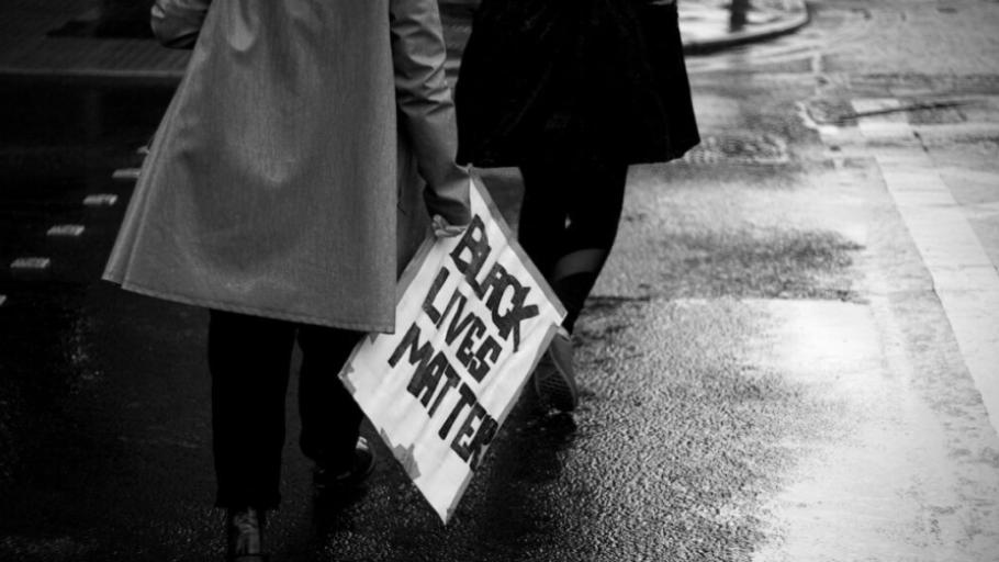 inequality-black-lives-matter-910x512
