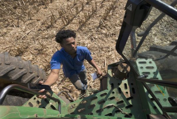 black-american-farmers-910x512